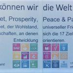 Infostand_Titelbild_gemeinsam können wir die Welt verändern - gemeinsam an den 17 SDG arbeiten